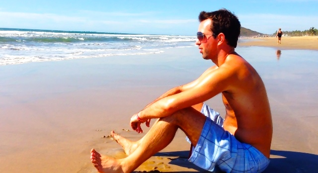 .break-point-travel-guides-mazatlan-joel-on-beach-no-border-joel-baycroft