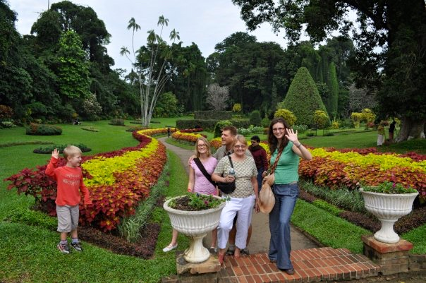 breakpointtravelguides-sri-lanka-kandy-botantical-garden-kathy-london