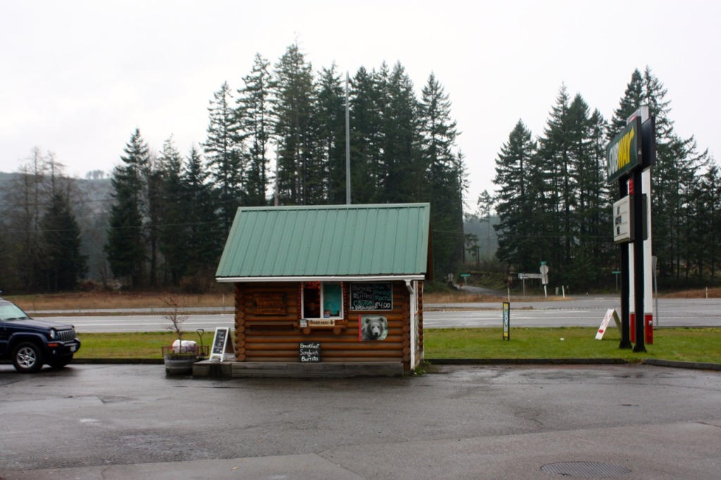 breakpointtravelguides-great-wolf-lodge-grand-mound-hwy-espresso-shack-kathy-london