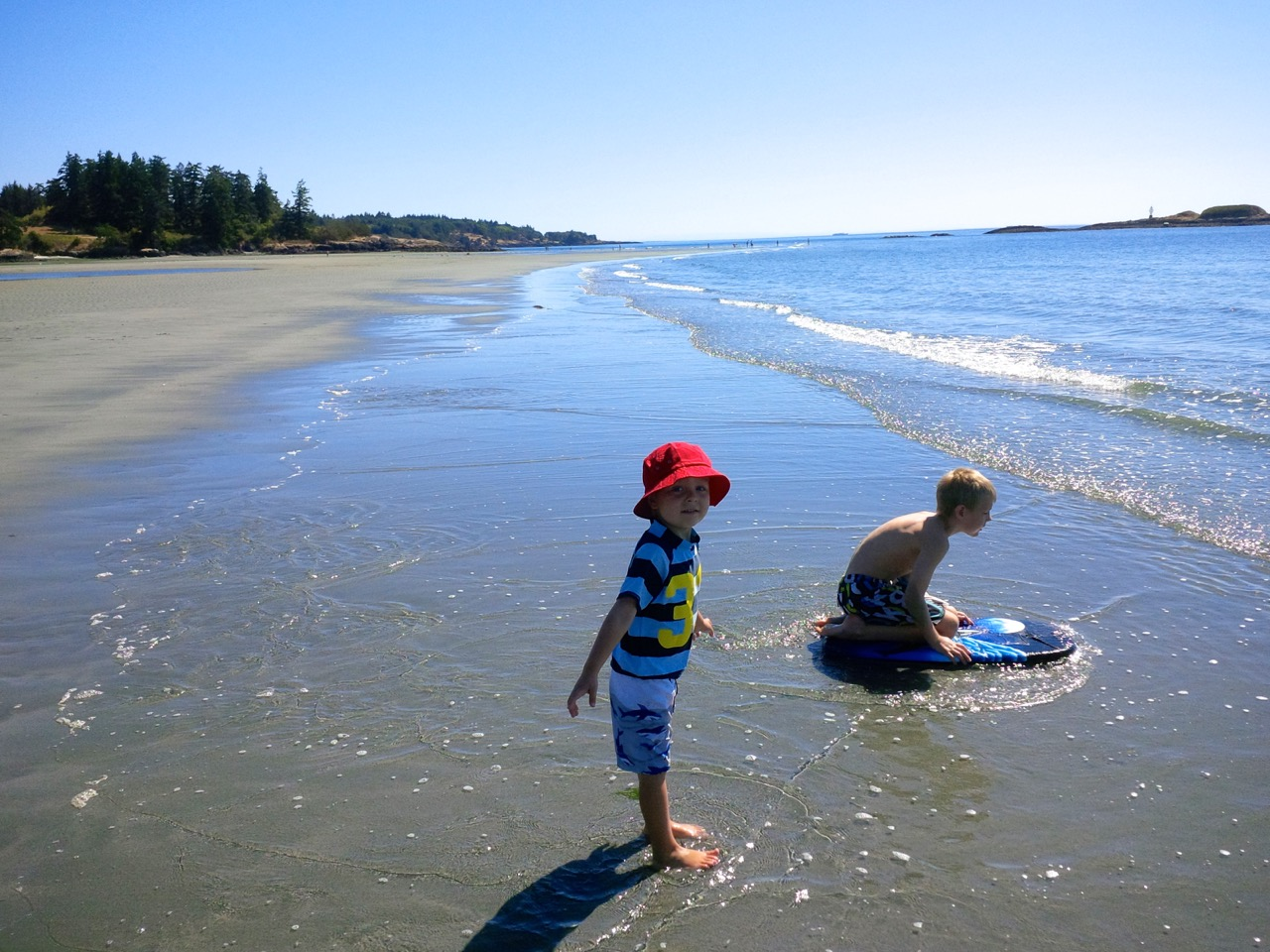 breakpointtravelguides-wittys-lagoon-boys-wading-beach-kathy-london