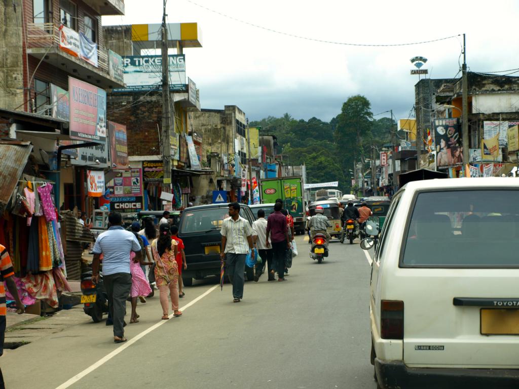 breakpointtravelguides-sri-lanka-Traffic-kathy-london