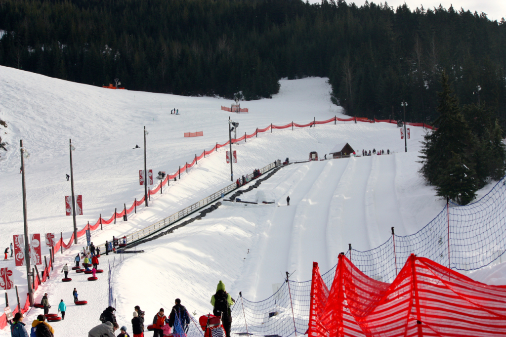 breakpointtravelguides-coca-cola-tube-park-line-up-Whistler-Blackcomb-kathy-london